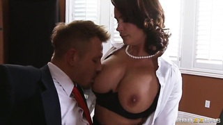 Busty professor Diamond Foxxx gives the hot fuck lesson