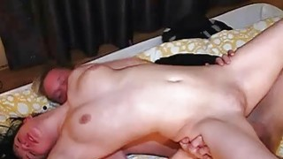 Babe tapes guys hand before beginning her torture