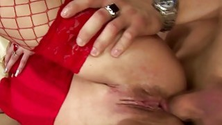 Mature lady gets her ass creampied